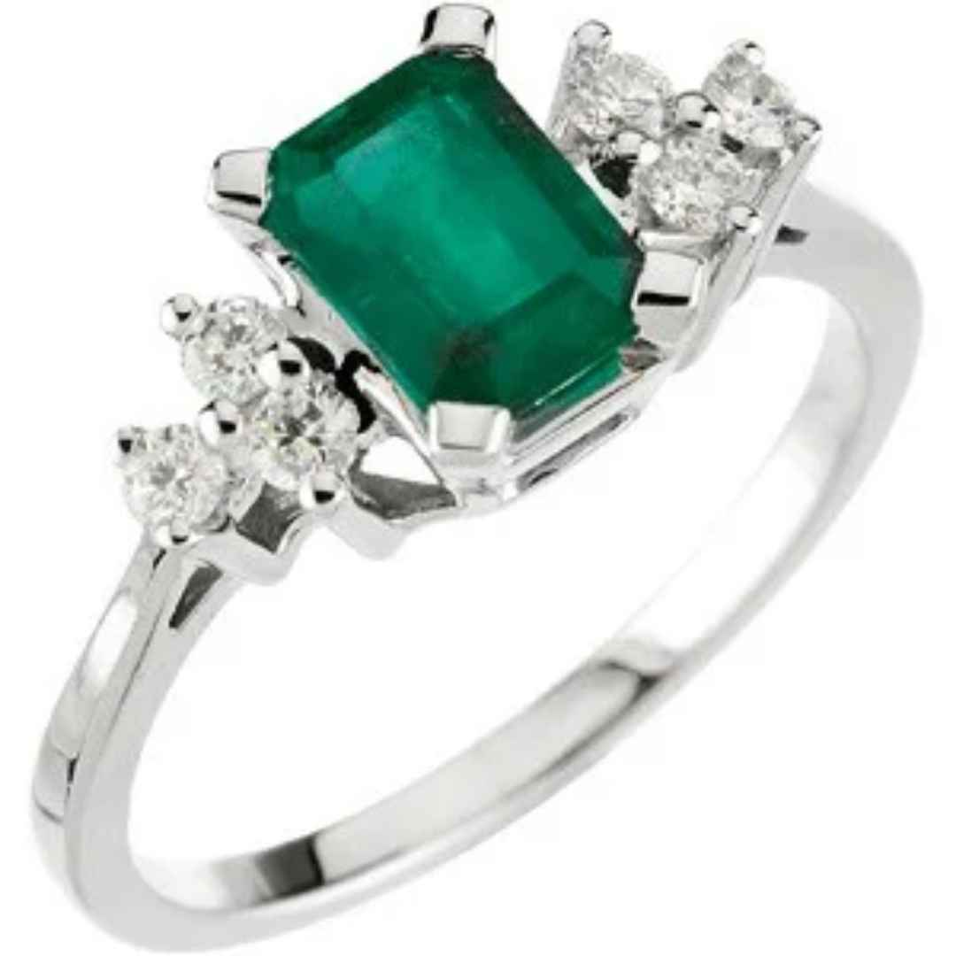 Women's emerald engagement ring