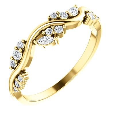Women's 14k Yellow Gold Ring with Diamonds
