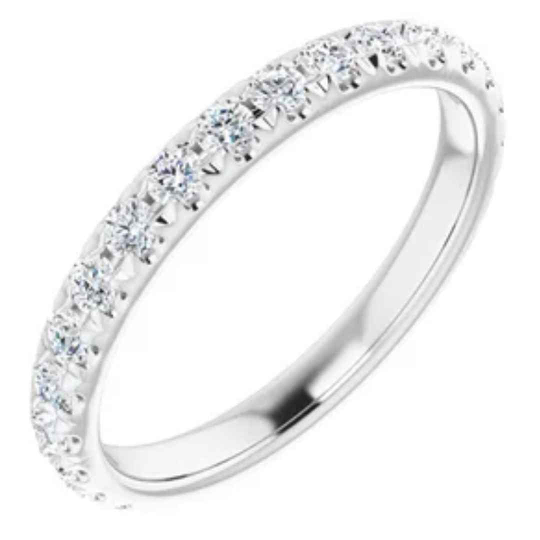 Women's 14K white gold diamond wedding ring