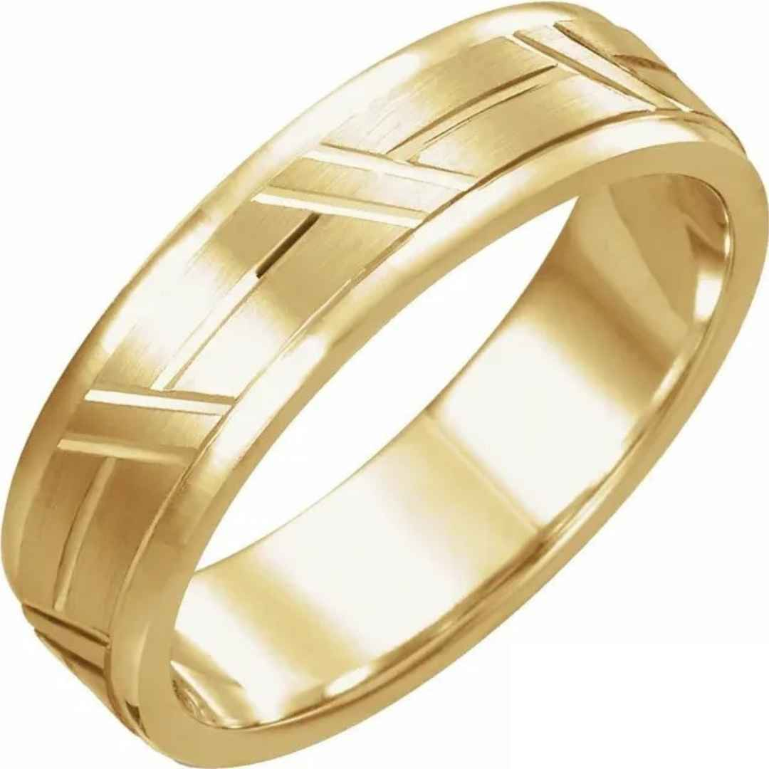 Men's 14K yellow gold grooved wedding ring