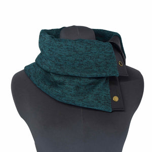 GREEN (EMERALD) COWL - Snap Scarf w/SILVER snaps