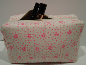 HOT PINK HEARTS ON CREAM - Large Toiletry Bag
