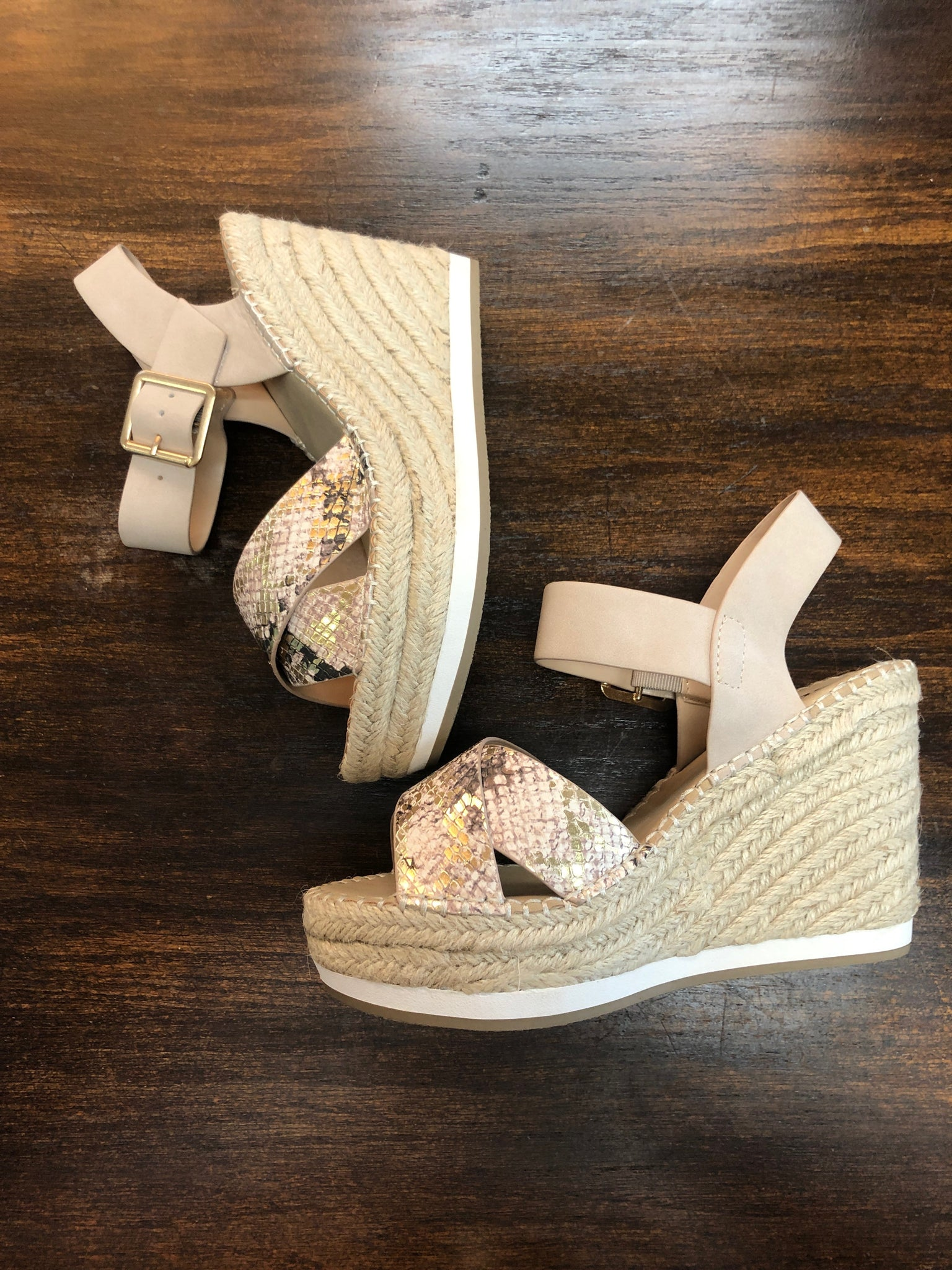 SNAKE PRINT WEDGE - Penny Lane Boutique