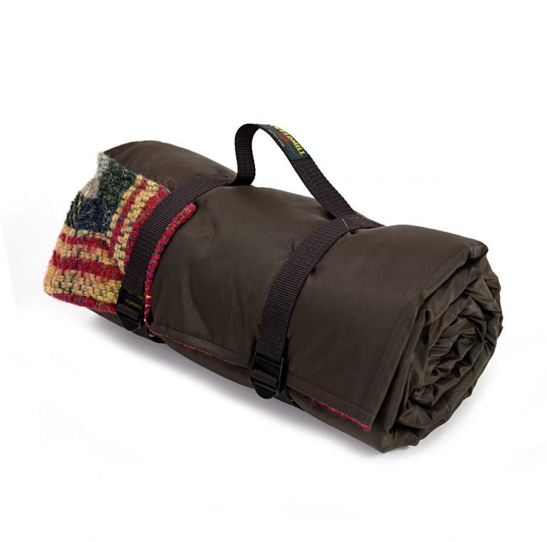 sustainable random recycled wool rolled picnic blanket