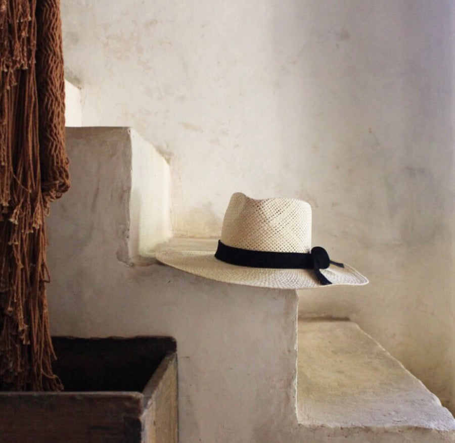 'Paja' Hat with leather band