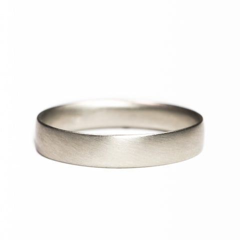 <!--RG346-->medium flat wedding band