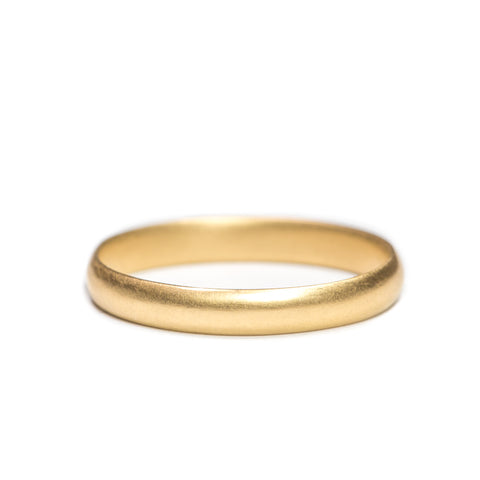 <!--RG540-->small half-round wedding band