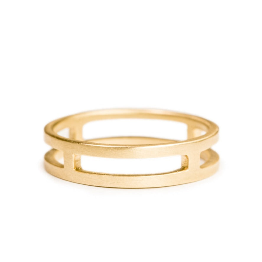 <!--RG567-->journey wedding band
