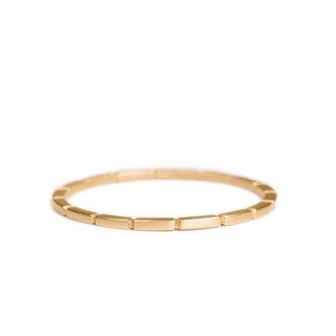 <!--RG578-->maya line stacking ring