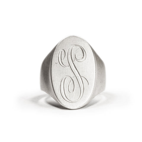 <!--RG451-->oval personalized signet ring