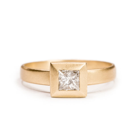 <!--RG672-->square bumper engagement ring
