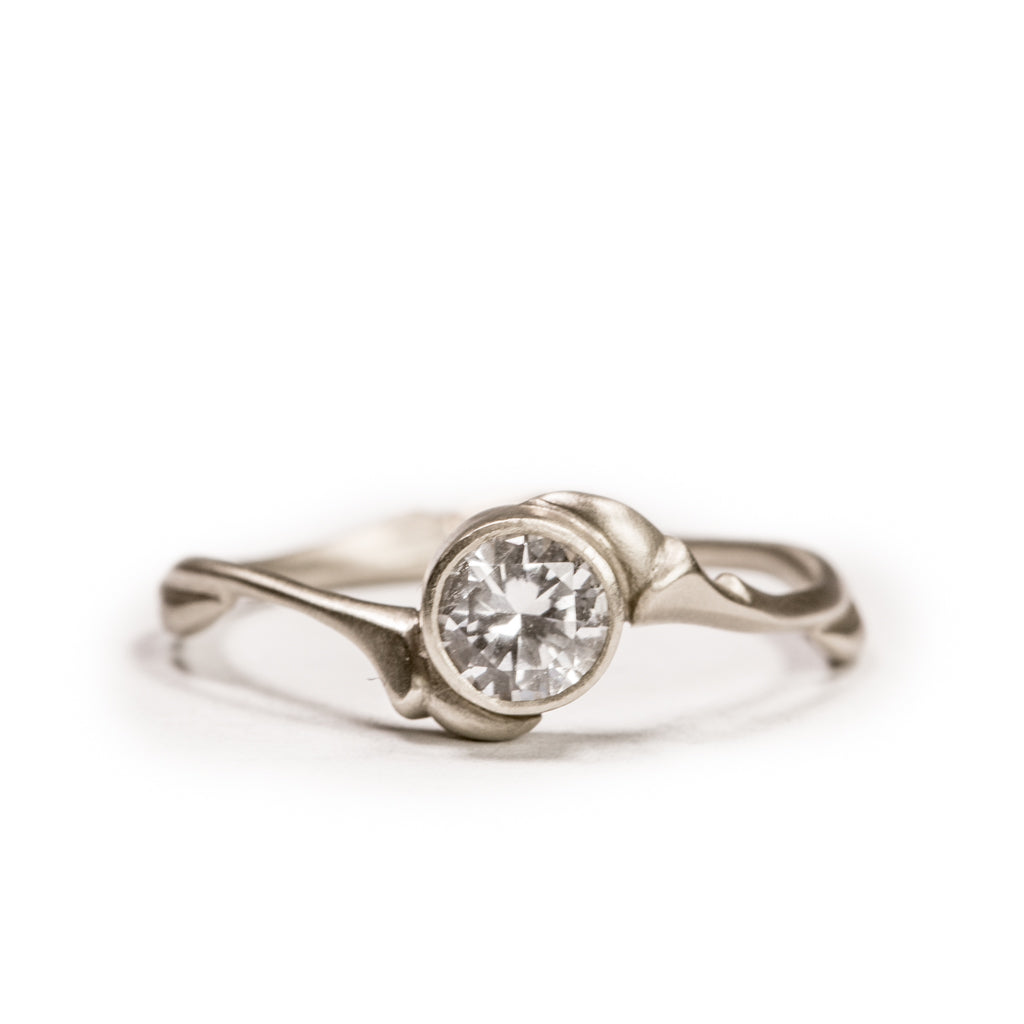 <!--RG456-->love tree engagement ring