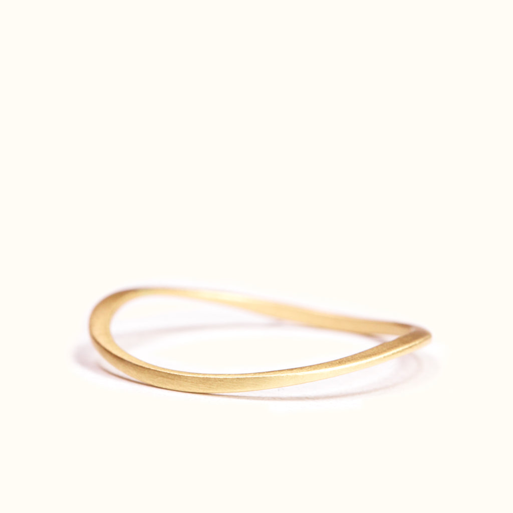 <!--RG725-->wave dainty stacking ring