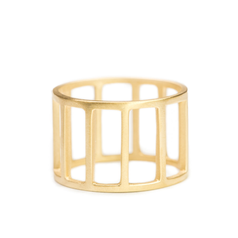 <!--RG700-->open fences ring