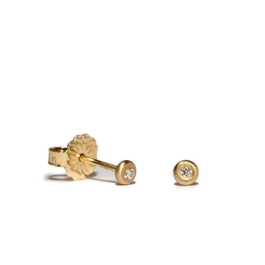 <!--ER218-->dainty dot stud earrings with diamond