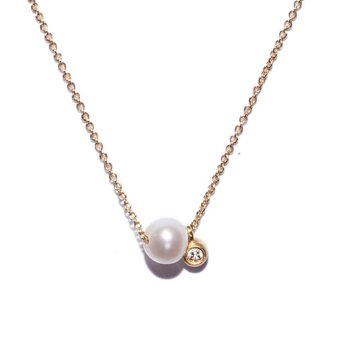 <!--NK672-->dainty necklace with pearl and diamond