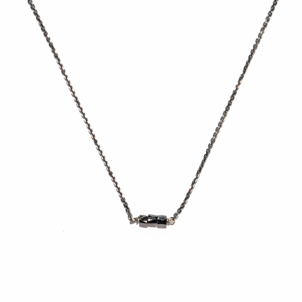<!--NK765-->slinky diamond bar necklace