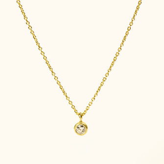 <!--NK671-->dainty necklace with diamond