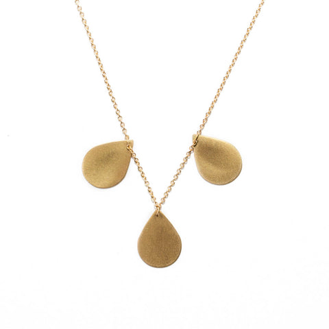 <!--NK902-->teardrop cluster necklace