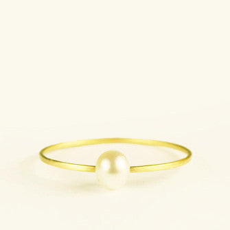 dainty ring with pearl