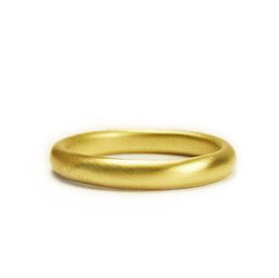 <!--RG341-->medium three-quarter round wedding band