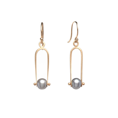 <!--ER938-->deco pearl arch earrings