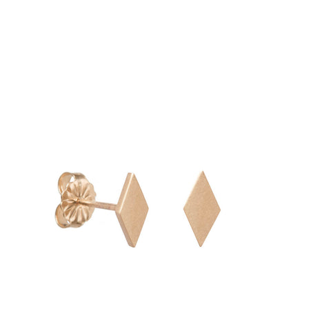 <!--ER764-->small kite stud earrings