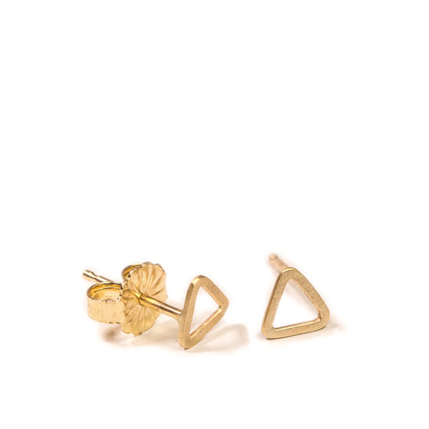 <!--ER768-->wee triangle stud earrings