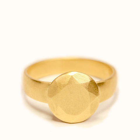 <!--RG714-->small round cut gold jewel ring