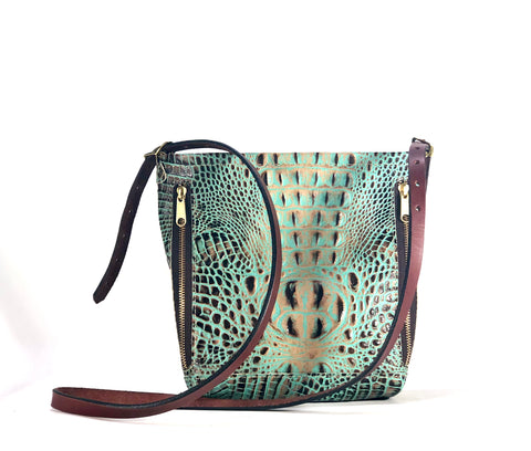 The Carry Croc Medium Crossbody