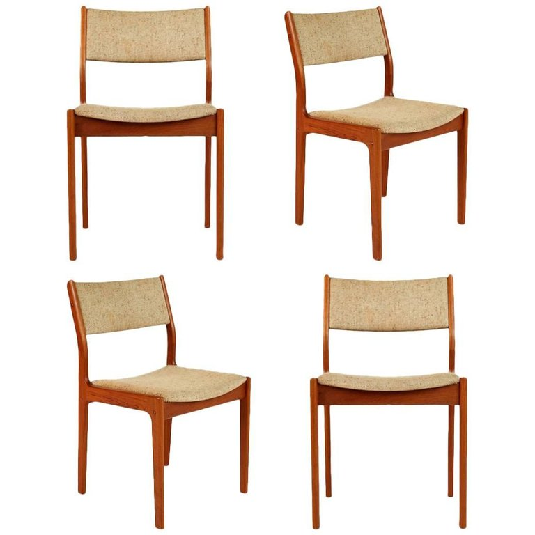 D-Scan Teak Danish Modern Dining Chairs Set of Four