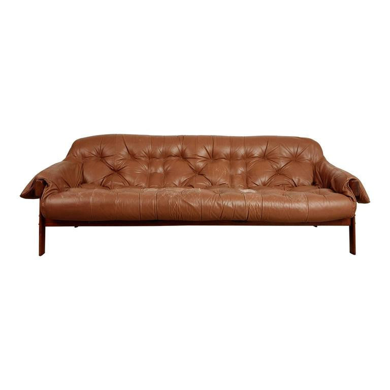Percival Lafer Rosewood and Distressed Leather Tufted Sofa, Brazil, circa 1960
