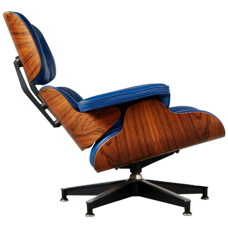 *SOLD* Blue Leather and Rosewood Eames Lounge Chair 670 for Herman Miller, circa 1960