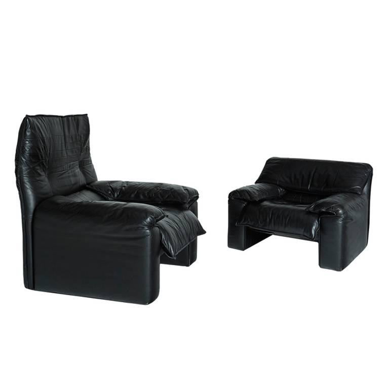 Maralunga Style Black Leather Armchairs with Adjustable Headrests