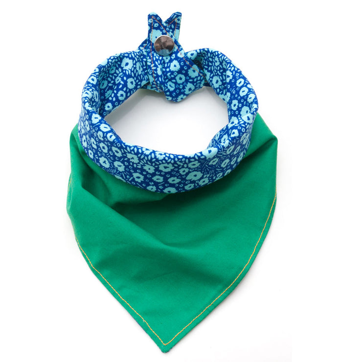 Meadow reversible dog bandana green/blue floral