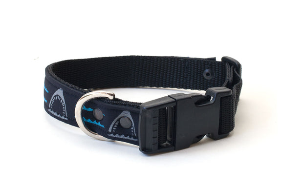 Adjustable neoprene collar with side release buckle & D ring