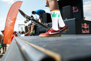 Single Marijuana Leaf Print High-Top Theme Socks White/Green | Access Accessories
