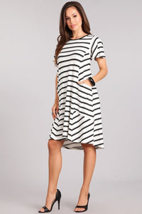 """SALE"" White and black striped dress with pockets - Short sleeves"