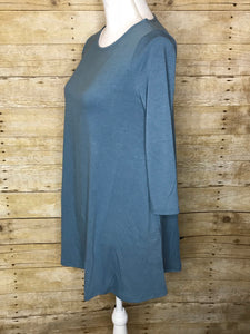 BOAT NECK FLARED TOP WITH SIDE POCKETS - Plus Size - 3/4 Sleeves - Grey