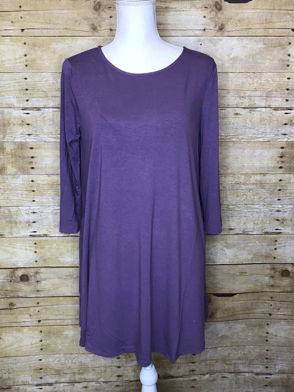 BOAT NECK FLARED TOP WITH SIDE POCKETS - Plus Size - 3/4 Sleeves - Lilac Grey