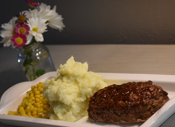Meatloaf with Mashed Potatoes and Corn
