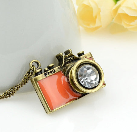 Vintage camera pendant necklace antique camera necklace vintage vintage camera pendant necklace mozeypictures Image collections