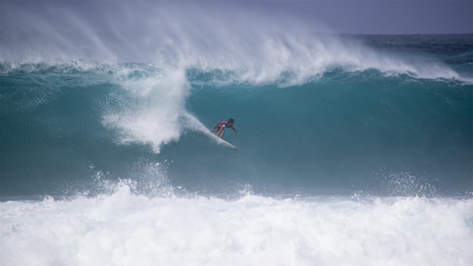 OAHU, UNITED STATES - FEBRUARY 2: Seth Moniz of Hawaii will surf in the semi finals of the 2020 Volcom Pipe Pro after placing first in quarter final heat 3 on February 2, 2020 at Pipeline in Oahu, Hawaii, United States. (Photo by Tony Heff/WSL via Getty IOAHU, UNITED STATES - FEBRUARY 2: Seth Moniz of Hawaii will surf in the semi finals of the 2020 Volcom Pipe Pro after placing first in quarter final heat 3 on February 2, 2020 at Pipeline in Oahu, Hawaii, United States. (Photo by Tony Heff/WSL via Getty
