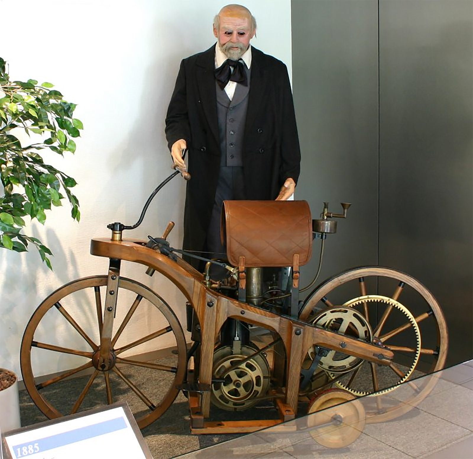 Replica of Daimler-Maybach Reitwagen and his invention