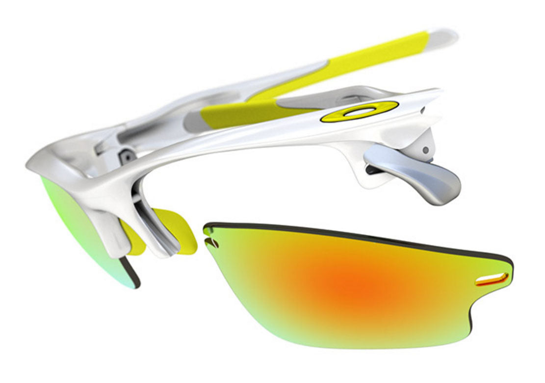Oakley Fast Jacket | Switchlock Technology  Quickly and easily replace your lenses with Oakley's Switchlock Technology.  Replace lenses, nose pieces and ear socks.  Switchlock.