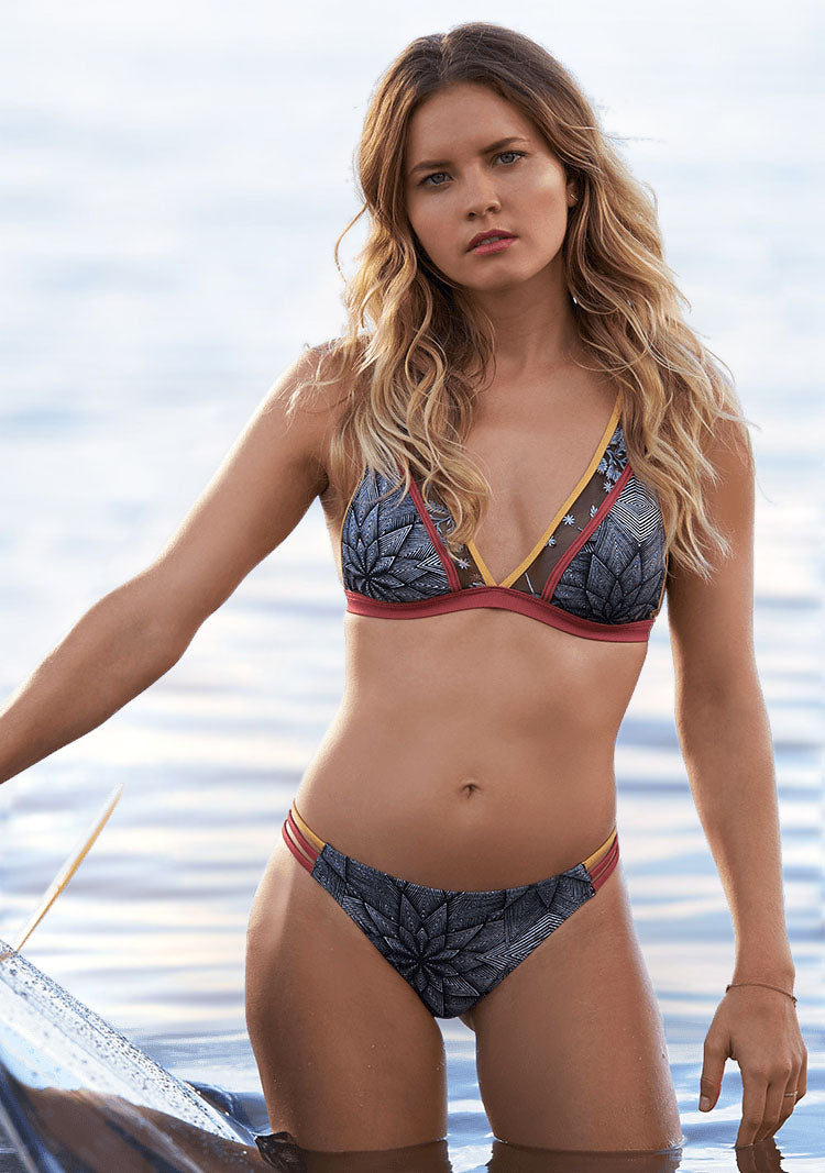 Pop Surf Elongated Tri Bikini Top