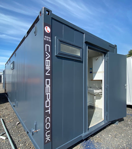 No 270 | 24x10ft |Toilet Shower Block | (7x3m) | 3+1 Toilet + shower |