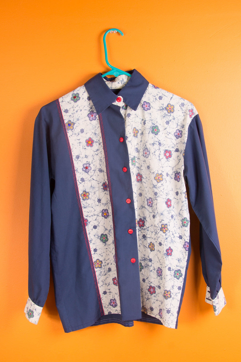 Vintage - Floral Jeweld Button Up