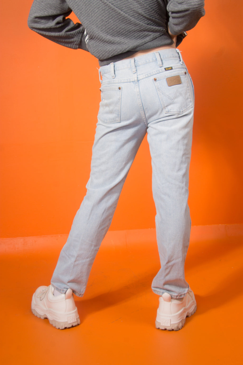 Vintage - light wash wrangler jeans