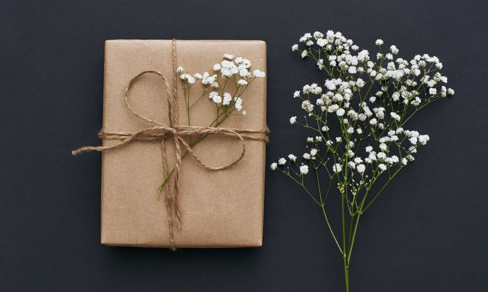 6 Ways to Make Your Gift More Personal
